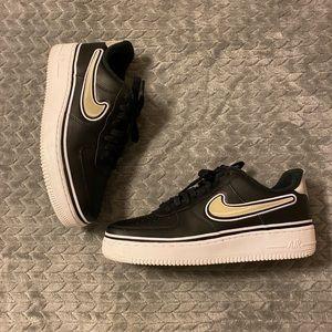 Nike Shoes - Nike Air Force One